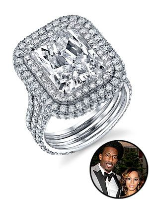 million dollar wedding ring | The 1-million-dollar diamond engagement ring presented by Amar'e ...