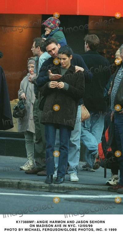 Angie Harmon, Jason Sehorn Photo - : Angie Harmon and Jason Sehorn on Madison Ave in NYC. 12/05/99 Photo by Michael Ferguson/Globe Photos, Inc.
