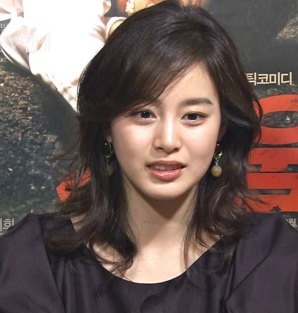대한민국 대표 여신 김태희 입니다^^이쁘다는 말이 입에 닳도록 나와서 어떤 표현을 해야할지 모르겠네요^^