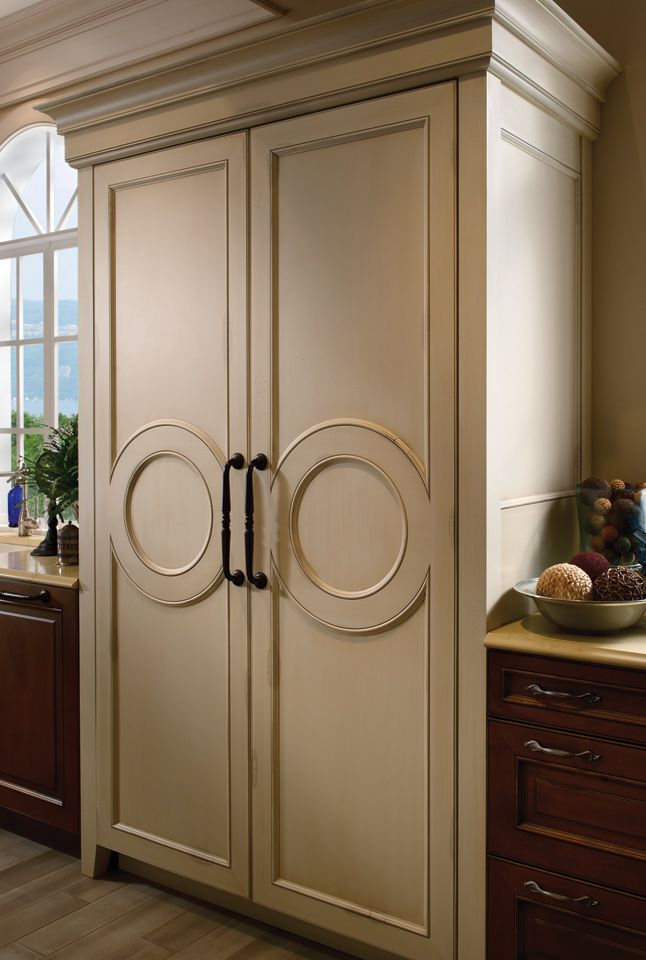 kitchen cabinet moulding best 25 custom cabinetry ideas only on 2634
