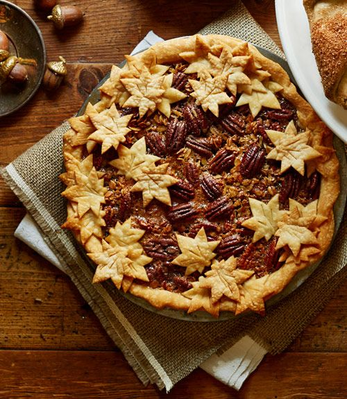 Looking for a classic Thanksgiving dessert with a twist? Try out this decadent maple granola pecan pie.