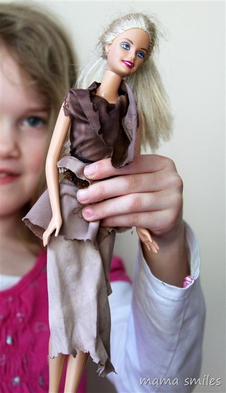 child-designed and child-made Barbie clothesPipe Cleaners, Barbie Clothing, Fabrics Scrap, Kids Activities, Clothing Growing Creative Kids, Child Design Barbie, Fabric Scraps, Fashion Designers, Barbie Clothes'S Kev