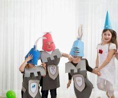 Wir zeigen Ihnen, wie Sie Helme für die Ritterparty ganz einfach auf Moosgummi selber basteln können.