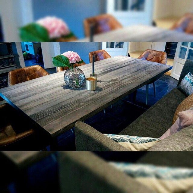 #1862 #spisebord med #SSNorway materialer og #T-ben #smokeygrey  Pris/info: www.drivved.no/webshop  #håndlagetavoss #barefordeg #bærekraftig #allemål #industrielt #scandicool #madeinnorway