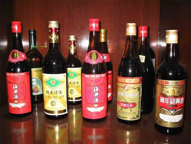 Shaoxing Rice Wine - As you might have noticed, one of our favorite Guest Authors, Judi Gamble, who has had many Chinese recipes posted on The Chinese Quest, uses Shaoxing Rice Wine in almost all of her recipes. You may have asked yourself, what exactly is Shaoxing Rice Wine? Well, guess what? We are going to tell ... - http://www.thechinesequest.com/2015/10/shaoxing-rice-wine/