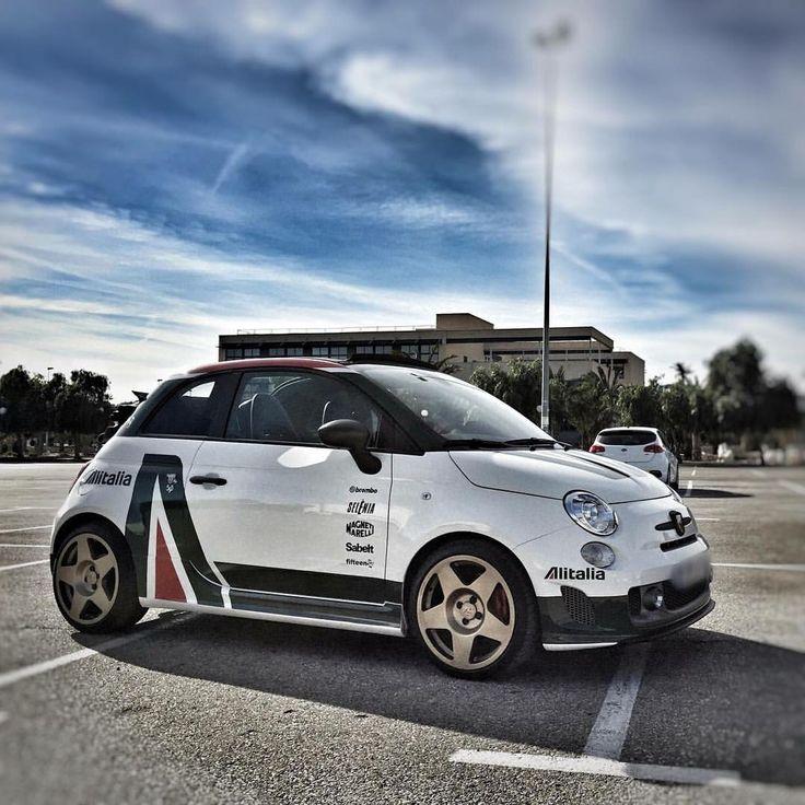 いいね!513件、コメント16件 ― FiatTechさん(@fiattech_com)のInstagramアカウント: 「Beautifully done #alitalia livery on this #fiat #500 #abarth. . #cinquecento #lancia #AlfaRomeo…」