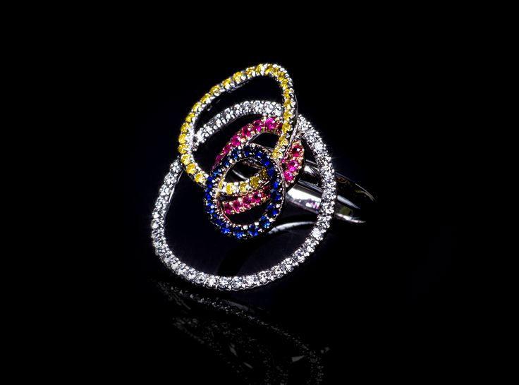 Taormina Ring - #digregorio_milano #digregoriogioielli_milano #whitediamonds #yellowdiamonds #sapphires #rubies #colourfull #multicolor #whitegold #ring #geometries #jewel #jewellery #finejewellery #luxury