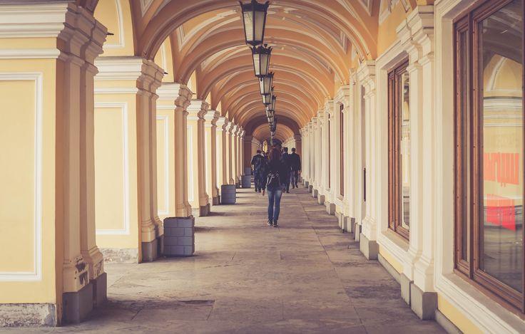 gostiniy dvor, saint petersburg