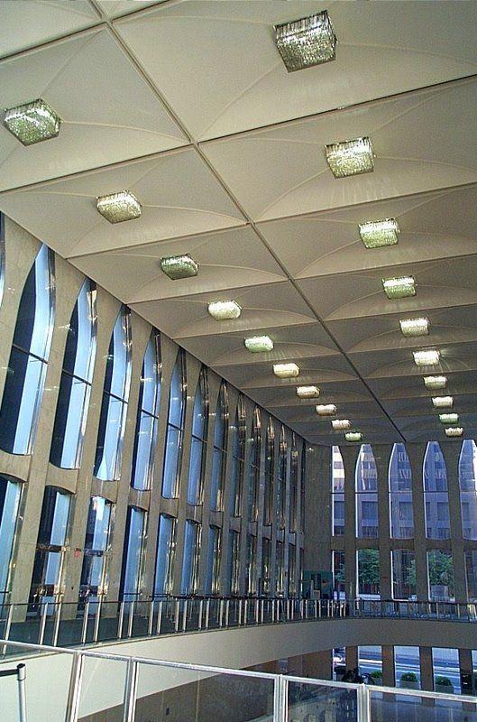 World Trade Center, 1970-2001: World Trade Center Lobby