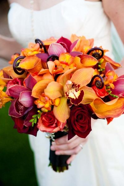 Classic Halloween Wedding: Tamara & Jason | Wedding Planning, Ideas & Etiquette | Bridal Guide Magazine. Exactly what I mean by the deep, rich colors of fall. Beautifully brilliant bouquet.