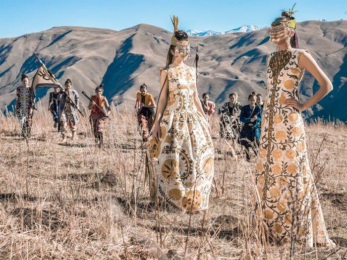 Kazakhstan Fashion Identity  Designer Aya Bapani  http://thefrontrow.kz/review/identifikaciya-kazakhstanskoi-mody/