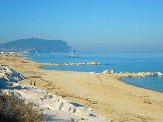 La Riviera del Conero e il Centro Vacanze De Angelis si stanno preparando al meglio per la stagione estiva 2015.