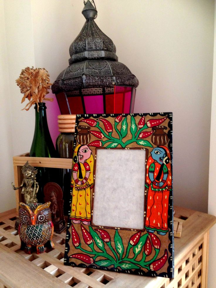 Janakpuri Painted Ethnic Photo Frame material: Opaque dye & watercolors product id : j002 dimensions : inside : handmade paper / cardboard price: £14.00