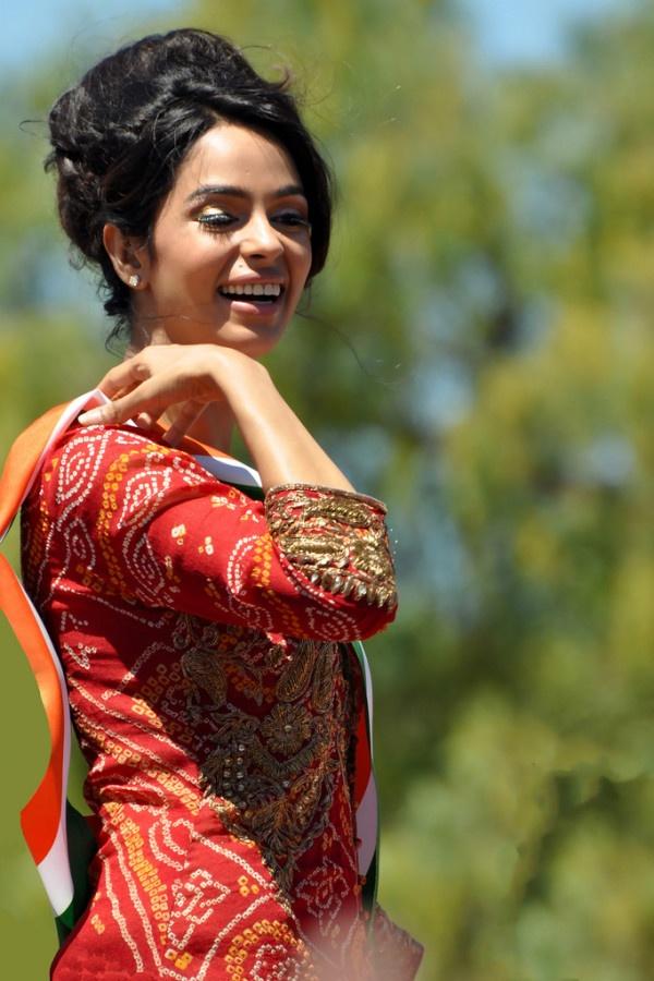 Mallika Sherawat.......An Indian Actress.......Beauty...........