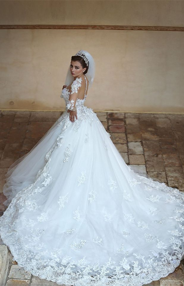 How do you like this gorgeous long sleeve appliques wedding dress?  www.27dress.com