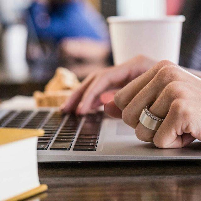 Sebuah brand digital Token merilis cincin untuk mengakses berbagai alat identitas digital. Mulai dari kunci mobil hingga kartu kredit cincin Token dapat mengaktivasikannya hanya dengan sentuhan jari. Dengan misi menjaga keamanan data di tengah maraknya cybercrime CEO Token Melanie Saphiro mengaplikasikan teknologi Biometric fingerprints yang terbukti aman untuk akses data pribadi. Cincin Token ini akan otomatis mati ketika dilepas dari jari pemiliknya. (Elle Intern - @allisaxx_ )…