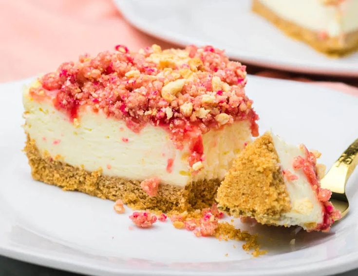 strawberry crunch cake ice cream
