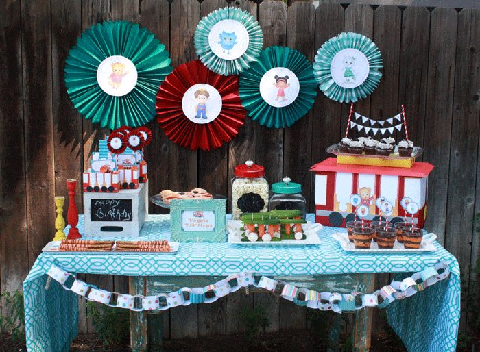 Super WHY Birthday Decorations   Daniel Tiger Birthday Party: Ideas and Tutorials . PBS Parents   PBS