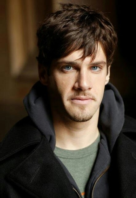 Justin Bartha.  Love him as Riley Poole in National Treasure movies.