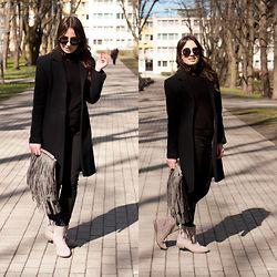 Anna Puzova - H&M Sunglasses, Capriola Coat, Amisu Turtleneck, H&M Jeans, H&M Bag, Marks & Spencer Boots - Big Dark Circles