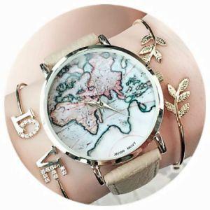 Montre carte du monde Véritable tendance du moment, la montre carte du monde vous démarquera avec style en optant pour une accumulation de bracelets fantaisie tendance 2017. Si vous préférez le por…
