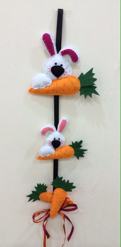 Tavşan ve Havuçları (kapı süsü)