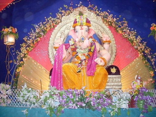 Ganesh chaturthi 2012 (19th September 2012) is around the corner and everyone is searching for best decoration ideas for Ganesh festival 2012. The attractive decorations is the main part of the ganesh chaturthi celebrations. The Ganesh chaturthi festive celebration goes on for almost ten days. Every year people bring idols of Lord Ganesha at home and decorating with fancy materials. This year we provides some best ganesh chaturthi 2012 decoration ideas for my readers.