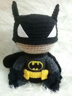 crochet batman; amigurumi