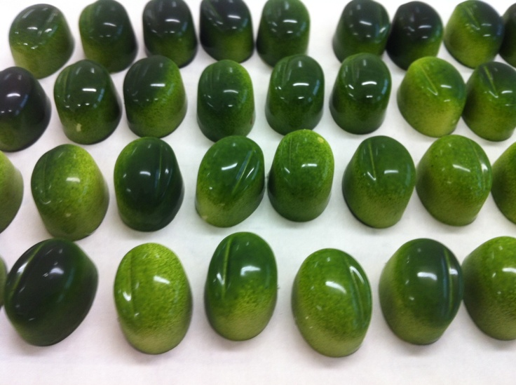 Fabulous looking chocolates from Kako in New Zealand.  These ones are 42 Below Vodka & Feijoa. Downunder.