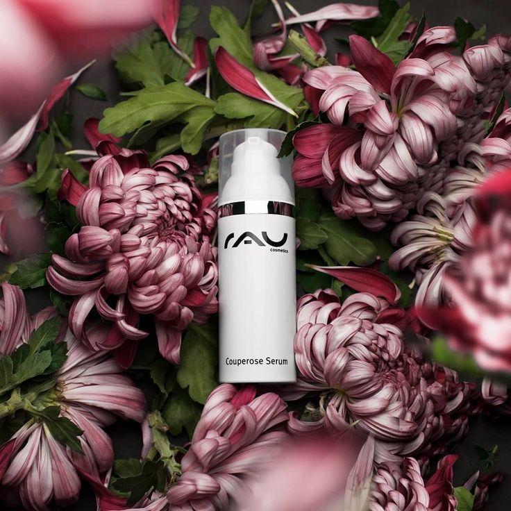 Rau Cosmetics Couperose Serum is hét serum bij couperose, rosacea en rode adertjes. Het serum geeft een aangenaam, ontspannen huidgevoel en verzorgt de gevoelige huid intensief. Het kalmeert de roodheid in je gezicht door onder andere panthenol, bisabolol en kamille.