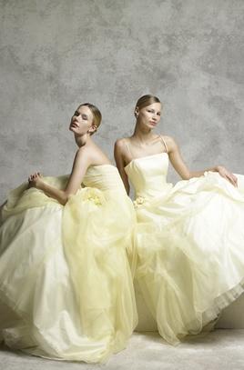 FOUR SIS & CO.(フォーシス アンド カンパニー ) のドレス   CRAS(クラース)[ウエディングドレス&結婚式]
