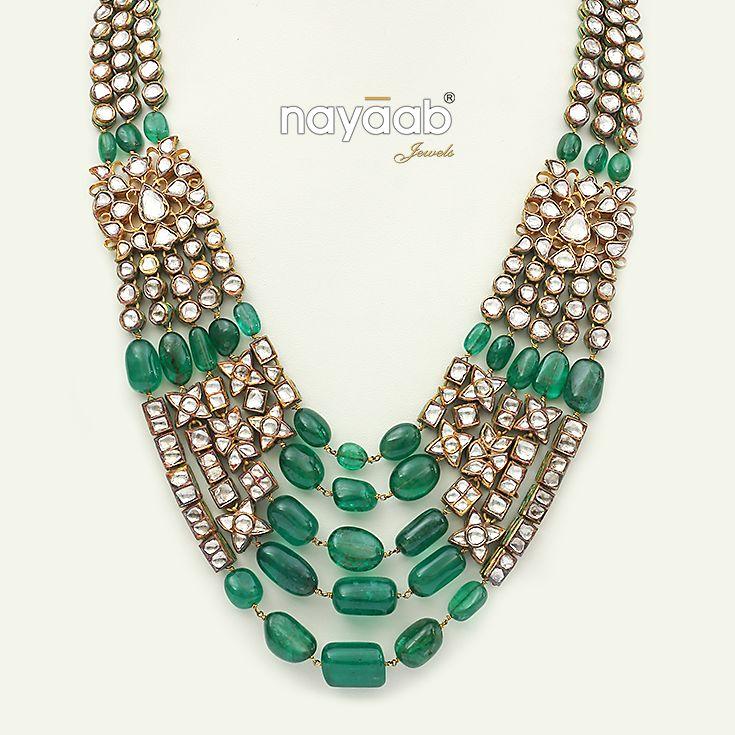 The sumptuous necklace garnished with emeralds ! #nayaabkingdom #heavyjewelleries #rich #lavish #necklace #jadaujewellery #gemstones #jaipur #mumbai