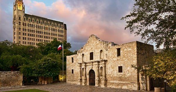 8 Reasons San Antonio Is Your Weekend Getaway This Fall via @PureWow
