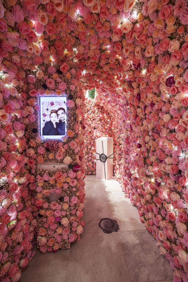 Inside the Viktor & Rolf Flowerbomb Enchanted Garden in Selfridges by Elemental Design.