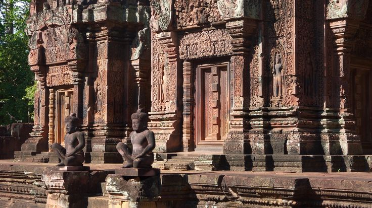 Angkor Wat - Banteay Srei Temple in Cambodia - For more on Angkor Wat travel check out http://ajourneyintotheunknown.com/angkor-wat-best-temples/