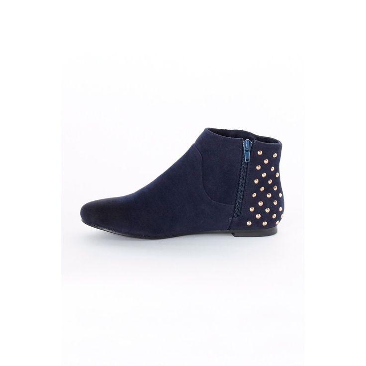 Boots Ellos et sa version cloutée > http://www.laredoute.fr/vente-bottines-36-a-41.aspx?productid=324447069 #boots #chaussures #mode #ellos