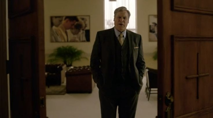 What Did That Yellow Tie Really Mean? True Detective Costumes Explained.