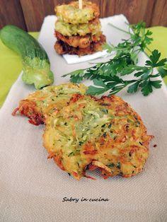 Frittelle di zucchine e patate, ricetta semplice, ricetta economica, come fare frittelle di zucchine e patate, Sabry in cucina blog