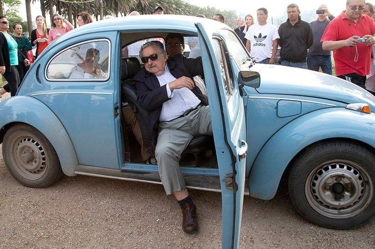 1 milhão de dólares pelo fusca azul de Mujica (nov-2014)