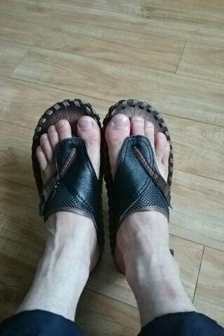 Tienda Online Merkmak Marca de Lujo 2017 de Los Nuevos Hombres de Flip Flop de Cuero Genuino Moda de Verano zapatillas Sandalias de Playa Zapatos de Los Hombres Grandes 45 | Aliexpress móvil