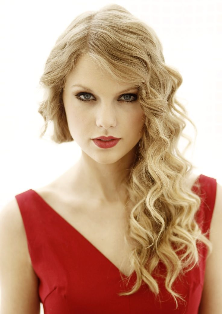 Top 10 Beautiful Wavy Long Hairstyles To Inspire You