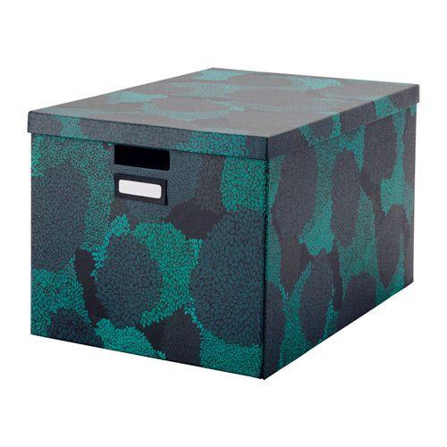 IKEA - TJENA, Škatuľa s vekom, , Veľká škatuľa je ideálna na všetko – veci, ktoré používate pri koníčkoch, hry, oblečenie, deky a vankúše.Škatuľu jednoducho vytiahnete a zdvihnete, pretože je pevná a má vyrezané úchytky.So škatuľami môžete z prázdneho miesta na vrchu nábytku vytvoriť praktické úložné priestory.Jednoduchá montáž, ale i demontáž, ak škatuľu práve nepoužívate a chcete ušetriť miesto.