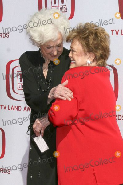 Bea Arthur tv land awards | Rue Mcclanahan Photo - Bea Arthur Rue McClanahan arriving at the 2008 ...