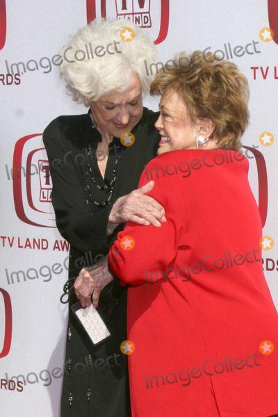 Bea Arthur tv land awards | Rue Mcclanahan Photo - Bea Arthur Rue McClanahan arriving at the 2008 ...