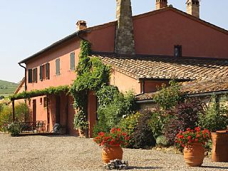 Villa in Castiglione d Orcia, Val d Orcia, Tuscany, Italy   Vacation Rental in Campiglia d'Orcia from @homeaway! #vacation #rental #travel #homeawayERIN EMAILED