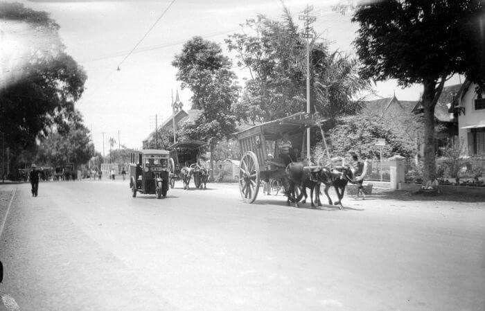 Suasana sebuah jalan di Malang, 1936