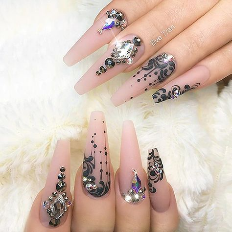 : Picture and Nail Design by •• @eve_tran •• Follow @eve_tran for more gorgeous nail art designs!