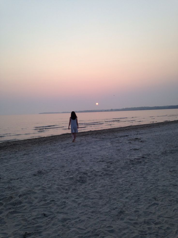Walks when the sun goes down on the sand