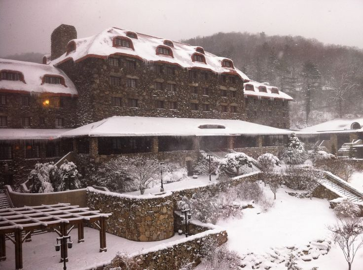 Snowy Omni Grove Park Inn in Asheville, North Carolina  - Explore the World with Travel Nerd Nici, one Country at a Time. http://travelnerdnici.com
