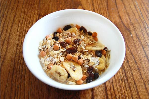 3 Great Cold Oatmeal Ideas  http://www.womenshealthmag.com/nutrition/cold-oatmeal-recipes...Peanut Butter Banana Museli Overnight Oats
